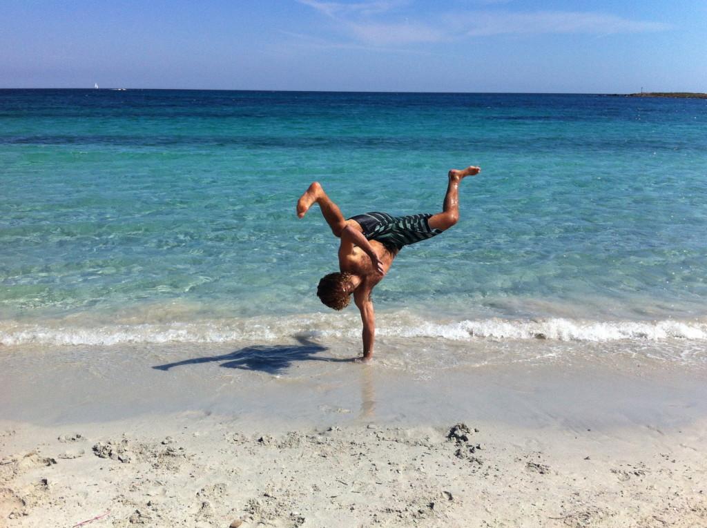 Salti nella spiaggia di Ottiolu